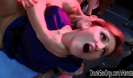 BLACK4K. Teen Dollface prend un selfie puis profite d'un énorme amateur czech porn noir.