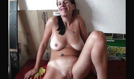 Une adolescente allemande au corps ebony porn amateur parfait se masturbe ...
