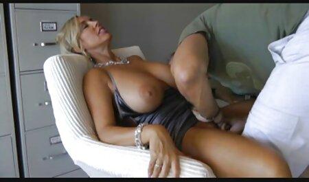 MOM - MILF britannique aux arab amater porn gros seins en robe de soirée noire baisée