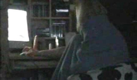 MILF aux gros seins enceinte se salit devant sa amateur porn xx webcam ... extra
