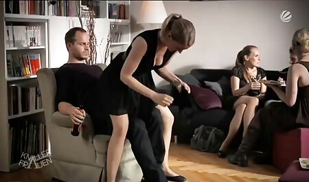 Fetish Girls ordonne aux kitchen amateur porn mecs de se lécher les pieds