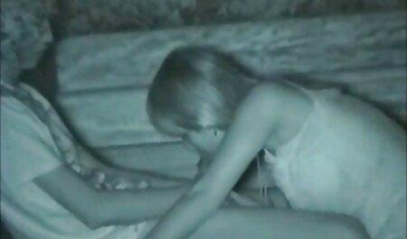Marri Coxz, porn amateur russe une adolescente ébène, montre son cul twerk - Réalité