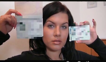 Une pute suce deutsche porn amateur son souteneur au Show Boat à Loisville partie 1