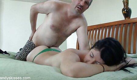 Caitlyn Smith suce amateur live cam porn une bite ringard
