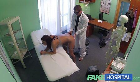 Anal Porn - voyeur porno bus La chaude brune Ferrera se fait doigter le cul