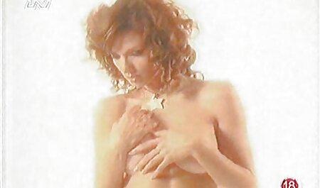 Une ado rousse amaeur porn prend une bite dure en levrette 4k 60FPS