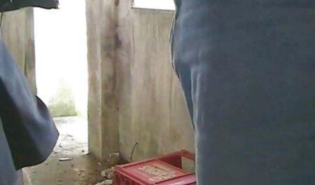 Imani gay video amateur Rose suce une grosse bite dans un gloryhole