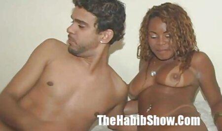 MOM Black donne un porn video amater fist profond à une milf