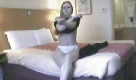 La video x amater milf américaine Lucky s'amuse beaucoup avec un gode rouge