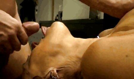 La salope britannique Gina profite d'un gangbang porn amateur blonde