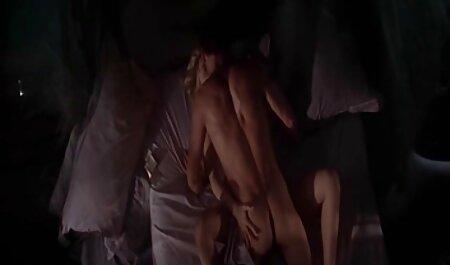 Écraser la chatte et le cul de sa porn amateur latina femme