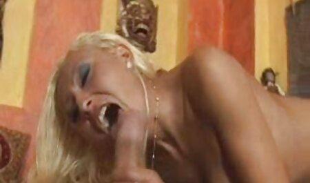 RELOAD sex amateur gay COMBINED - Une femme mature baise deux taureaux noirs