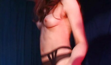 Un gode blonde impeccable baise sa chatte anal amateur porn rasée