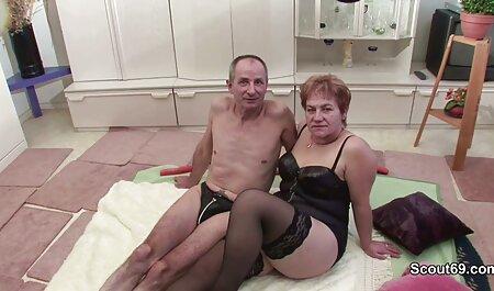 Deux filles dodues s'amusent en orgie amateur cam gay porn de groupe